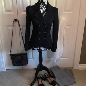 Gorgeous classic double breasted pea coat